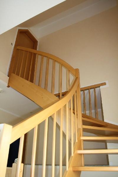 wohnraumgestaltung treppenhaus innenarchitektur und. Black Bedroom Furniture Sets. Home Design Ideas